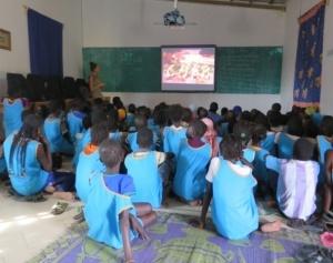 Proiezioni di un film per i bambini delle scuole elementari, il 29 Novembre